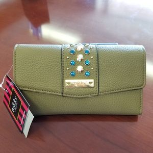 Nikky by Nicole Lee wallet